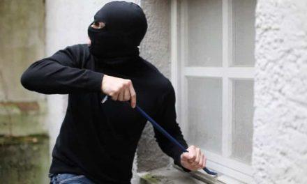Fenster und Türen gegen Einbrecher sichern